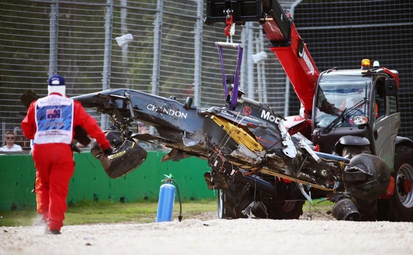 2016年第1戦オーストラリアGP クラッシュしたフェルナンド・アロンソのマシン(マクラーレン・ホンダ)
