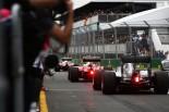 2016年F1第1戦オーストラリアGP予選 ピットレーンに並ぶマシンの列