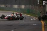2016年F1第1戦オーストラリアGP フェルナンド・アロンソ(マクラーレン・ホンダ)とのクラッシュ直後のエステバン・グティエレス(ハースF1)