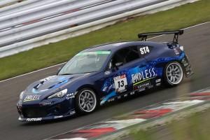 スーパー耐久第2戦SUGO グループ2の決勝レースを制した13号車ENDLESS ADVAN 86