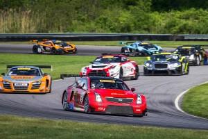 SCCAワールドチャレンジのGTクラスには、キャデラックATS-V.R GT3やベントレー、GT-Rらが激しい戦いを展開する。