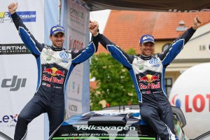 劇的な逆転劇でWRC2勝目を挙げたアンドレアス・ミケルセン(フォルクスワーゲン・ポロR WRC)