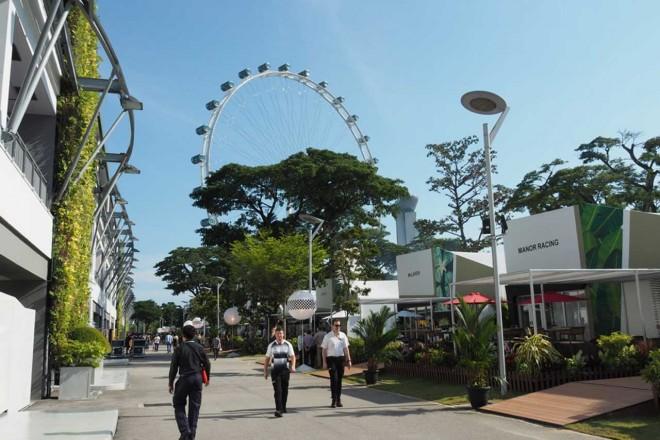 ホンダ八郷社長がアロンソを激励@シンガポールGP現地情報