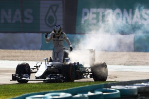 2016年第16戦マレーシアGP ルイス・ハミルトン(メルセデス)、エンジントラブルでリタイア