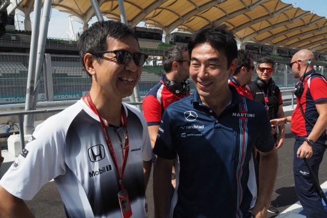 今井弘エンジニアに尊敬の眼差しを向ける若手ドライバー@マレーシアGP現地情報