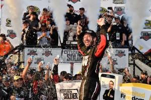 2016年NASCARドーバー マーティン・トゥルーエクス・Jr.(トヨタ・カムリ #78)