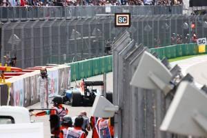 2016年F1第19戦メキシコGP パスカル・ウェーレイン、背後からの接触によりスピンを喫しリタイア