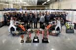 ドライバーズチャンピオンとチームチャンピオンのWタイトルを獲得したP.MU/CERUMO・INGING