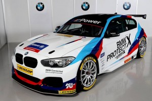 BMWファクトリーカラーをまとったWSRのBMW125i Mスポーツ