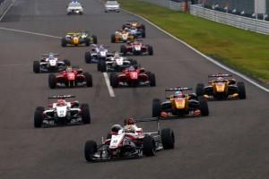 2016年の全日本F3鈴鹿ラウンドの様子。山下健太、牧野任祐らが巣立った後、覇権を握るのは誰になるだろうか?