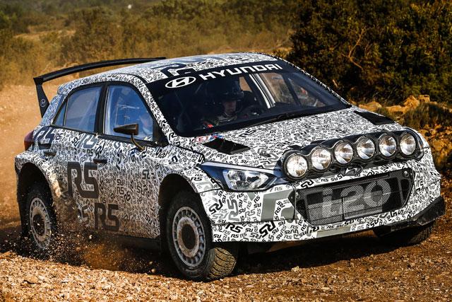 ラリー/WRC   ヒュンダイ、開発中のi20 R5初テストを実施