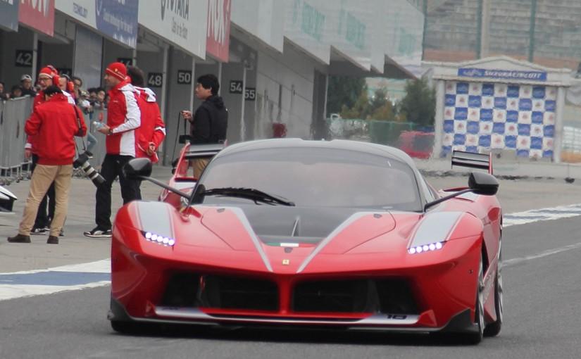 クルマ | 日本初走行。4台のフェラーリFXX Kが鈴鹿を疾走