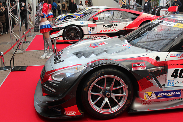 スーパーGT | 大阪オートメッセ、今年もスーパーGT車輌が多数