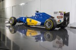F1   ザウバー、2016年仕様のカラーリングを公開