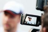 F1 | Topic:現場では誰も知らない、バトン離婚の真相