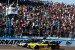 海外レース他 | NASCAR第4戦フェニックス:ハーヴィックが0.01秒差で勝利