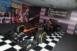 F1 | 東京ガールズコレクションにマクラーレン・ホンダMP4-30登場。オシャレガールたちの興味をそそる