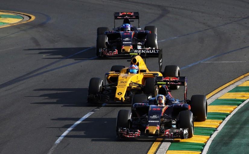 2016年第1戦オーストラリアGP カルロス・サインツJr.(トロロッソ)、ジョリオン・パーマー(ルノー)、マックス・フェルスタッペン(トロロッソ)