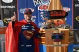 海外レース他 | NASCAR第5戦フォンタナ:カムリ勢が首位争いもジョンソンが勝利