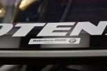 ARTA BMW M6 GT3のリヤウインドウにはこんなステッカーも。「ウチのは正規ディーラー車だから(笑)」とスタッフが語る。