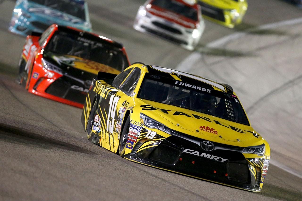 """NASCAR第7戦:トヨタ勢がレースを支配。カイル・ブッシュが2週連続""""完全制覇"""""""