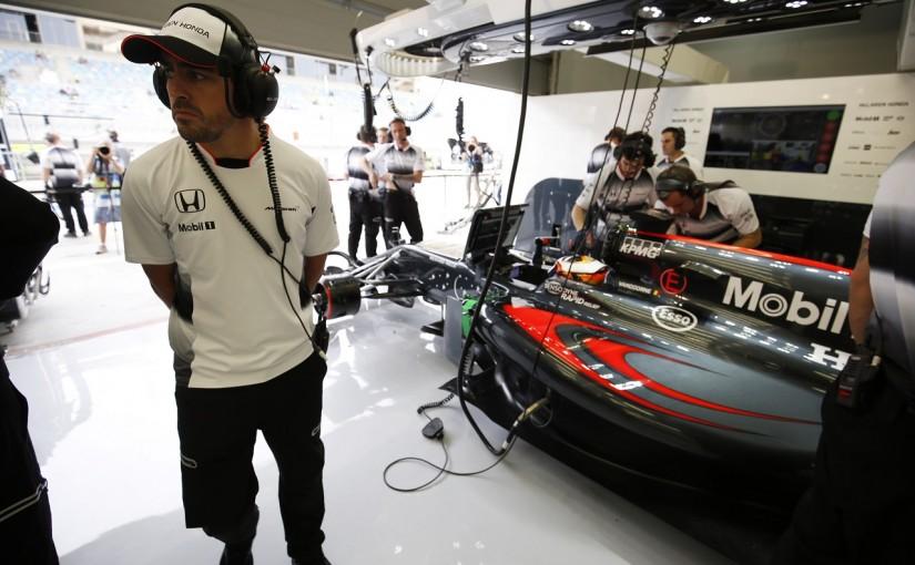 F1 | アロンソ、復帰の可能性は「予測できない」。バンドーンが待機