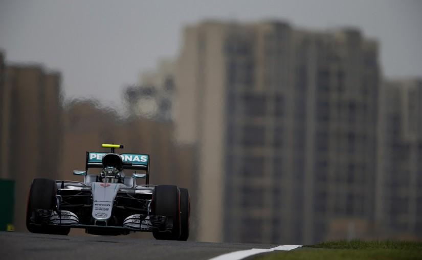 F1   ロズベルグ「フェラーリは燃料をどれぐらい積んでいたんだろう」:メルセデス 中国GP金曜