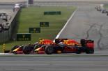 F1 | 首位を奪ったリカルド、不運のタイヤトラブル