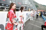モーターファンフェスタでレースクイーン約50名が集結のギャルパラ25周年アニバーサリー開催