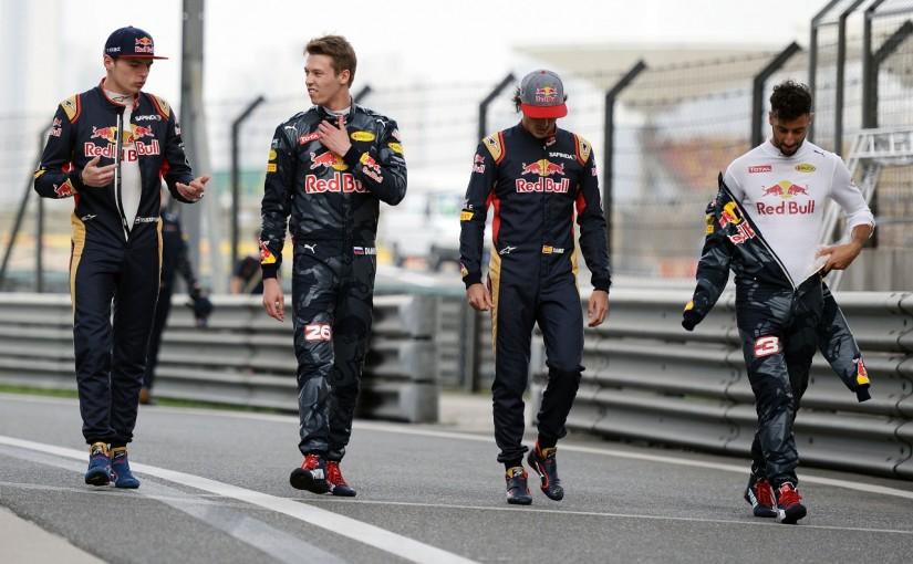 F1 | 衝撃のドライバー交代、レッドブルが背景を説明。「トロロッソの内紛と自滅しつつあるクビアト」