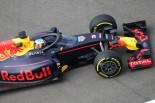 F1 | 画像:リカルド、コクピット保護「エアロスクリーン」を装着して走行