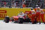 F1   ベッテル、フリー走行2回目の途中にトラブルでストップ