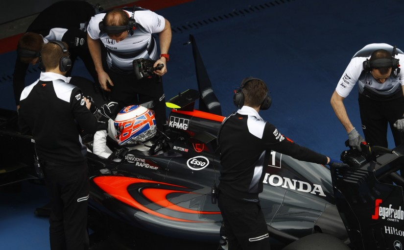 F1 | マクラーレン「ふたりの不満を解決できた。2台Q3入りを目指す」/ロシアGP金曜