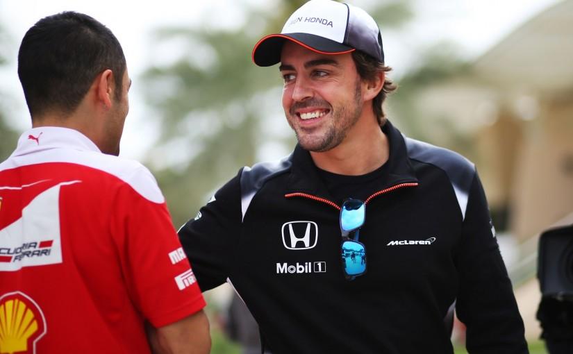 F1 | アロンソ記者会見「帰って休め?絶対いやだよ!」週末は残ってバンドーンをサポート