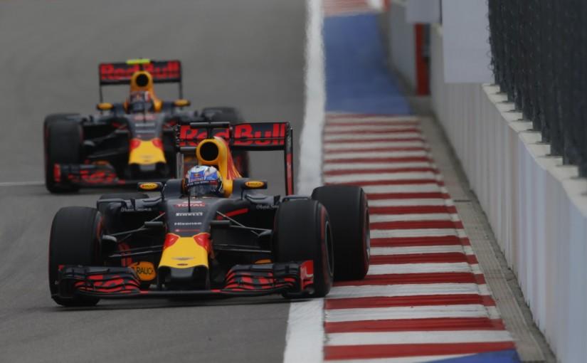 F1   リカルド「大胆な戦略でウイリアムズに勝つ」:レッドブル ロシア土曜