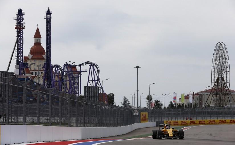 F1 | パーマー「フロアを換えて悲惨な状態から救われた」:ルノー ロシア土曜
