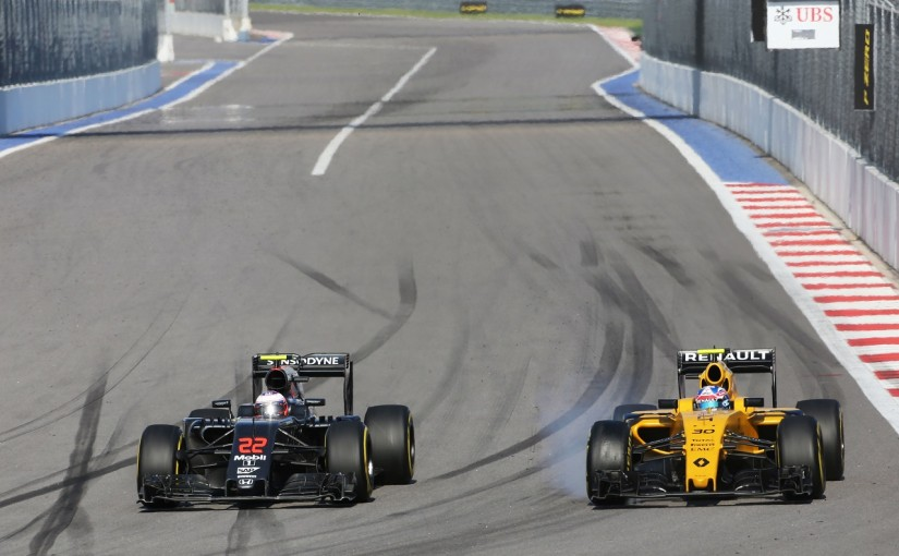F1 | バトン「抜けないコースでオーバーテイク。速さがあり楽しかった」:マクラーレン・ホンダ ロシア日曜