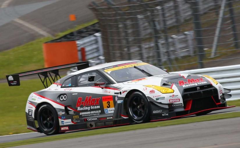 スーパーGT | SGT第2戦富士:GT300はB-MAX GT-Rが逃げ切り優勝。終盤の2位争いはARTA M6が制す