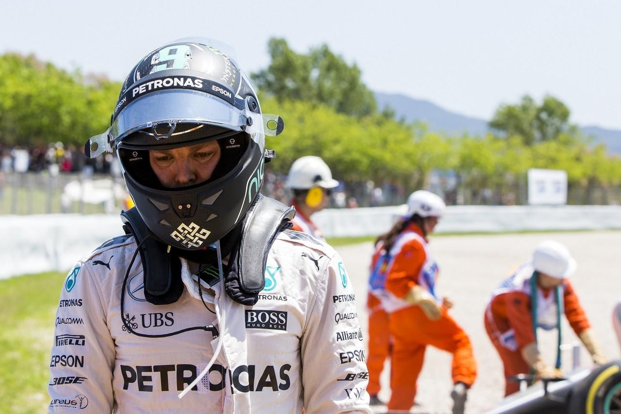 2016年第5戦スペインGP ニコ・ロズベルグ(メルセデス)、ルイス・ハミルトンとのクラッシュでリタイア