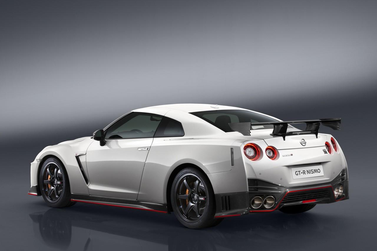 ニッサン/ニスモ、ニュルで『GT-R NISMO』17年モデルを初公開