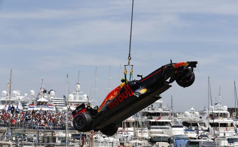 F1 | 予選Q1速報:ナッセ白煙、前戦ウイナーのフェルスタッペンが大クラッシュ