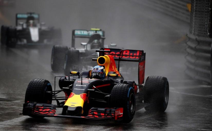 F1   レッドブル「人的ミスで勝利を失った。ダニエルには謝ることしかできない」:モナコ日曜