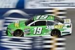 NASCAR第15戦ミシガン カール・エドワーズ(トヨタ・カムリ)