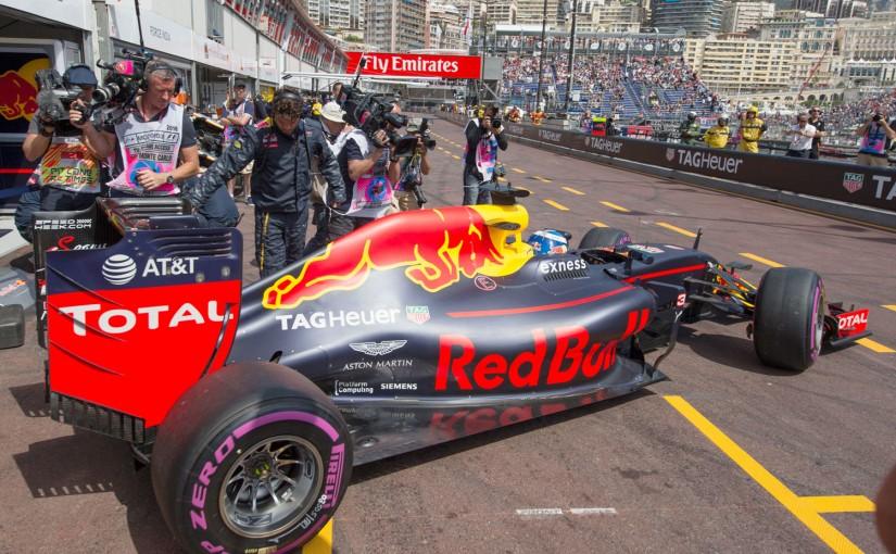 F1   メカUPDATE:マックスダウンフォースを制したレッドブルと最新型ルノーPU