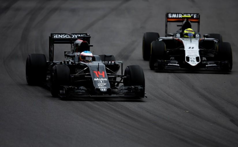 F1   ペレス「マクラーレン勢の後ろでロスしたのが痛かった」:Fインディア カナダ日曜