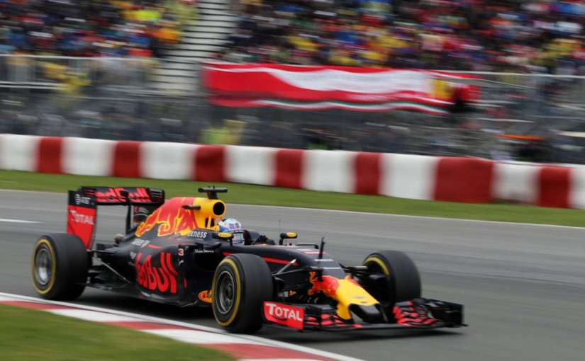 F1 | 初開催バクーでレッドブルは「パワー不足からストレートで1.2秒ロス」と予測
