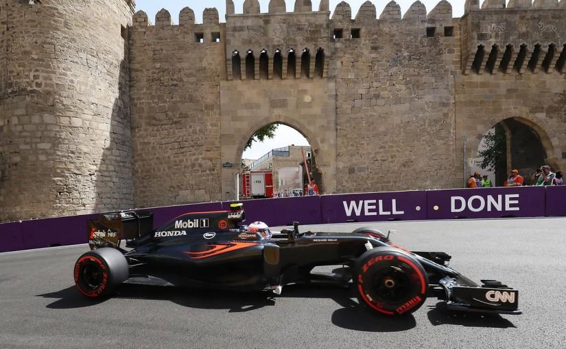 F1 | 予選Q1速報:ロズベルグが首位通過、ペナルティ決定のペレス3位、バトン脱落