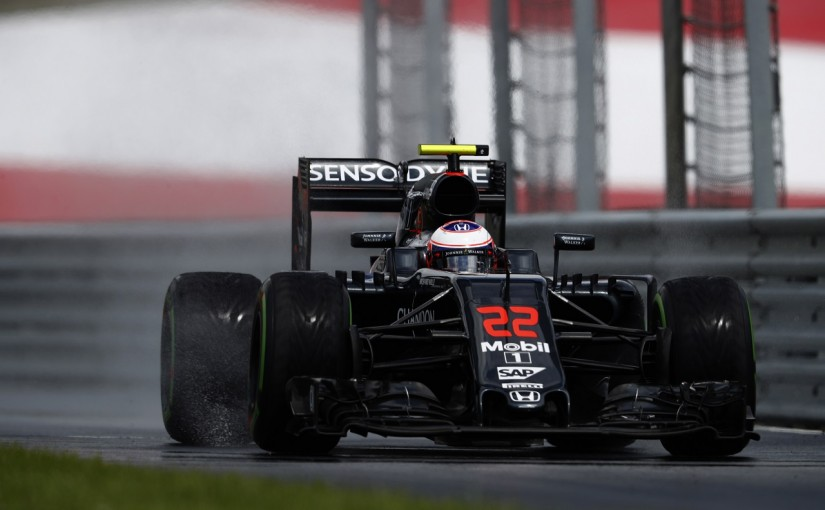 F1   バトン「インターでは最速レベル。雨ならチャンス」:マクラーレン・ホンダ オーストリア金曜