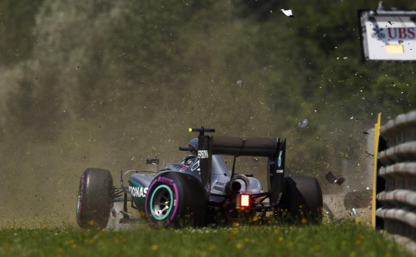 F1 | ロズベルグ、クラッシュでギヤボックス交換へ。決勝での5グリッド降格が決定