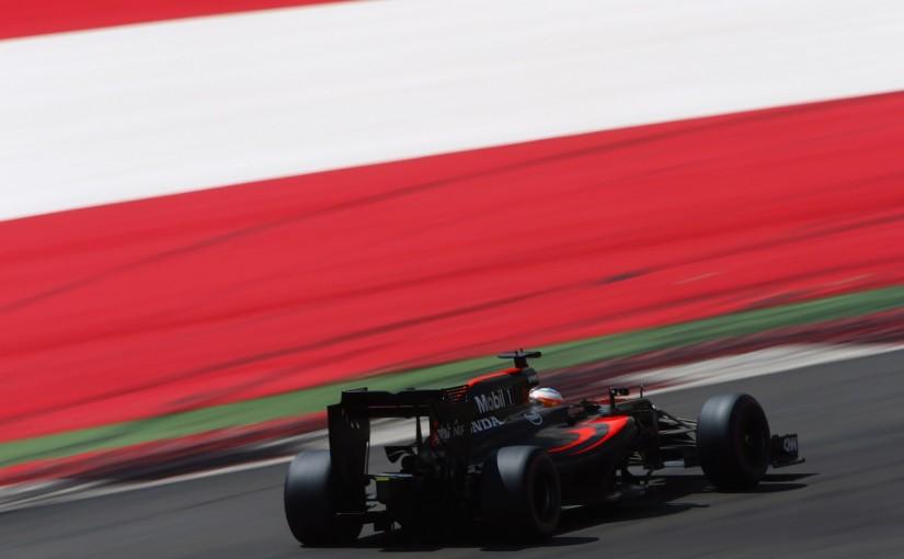 F1 | マクラーレン「アロンソのチャンスを奪ったのはタイヤのミスではなくバトンの黄旗」/オーストリア土曜